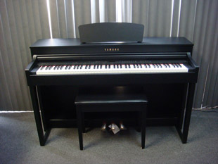 Yamaha CLP430  Used Digital Pianos - image