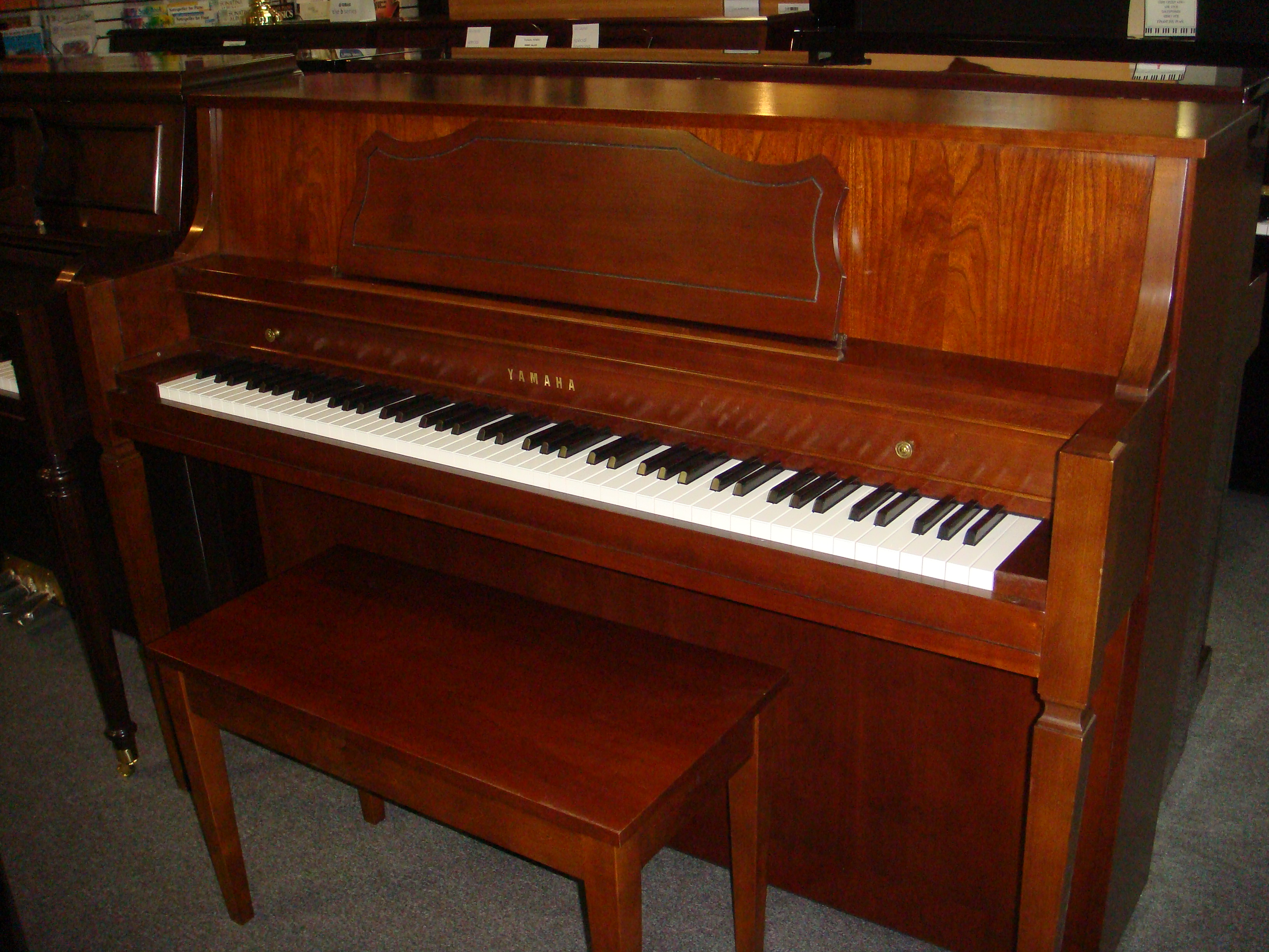 Used console yamaha m450 piano for sale nj for Yamaha console piano prices