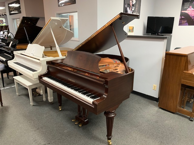 Yamaha GC1G  Used Acoustic Pianos - image