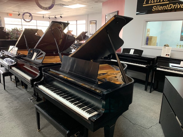 Howard (Kawai) 550C  Used Acoustic Pianos - image